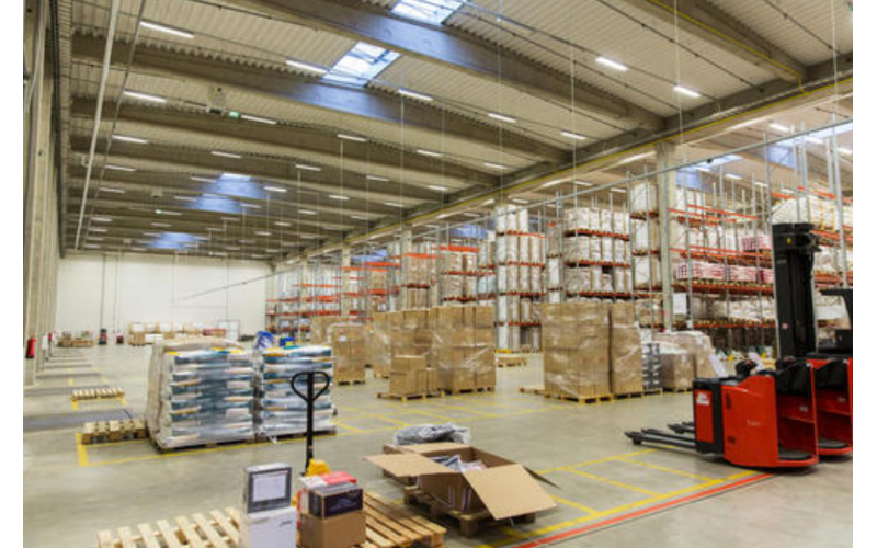Combined packaging in bonded warehouse and then exported to abroad